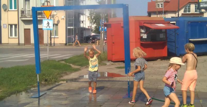 Sprzęt przeciw upałom na ulicach Płońska Kliknięcie w obrazek spowoduje wyświetlenie jego powiększenia