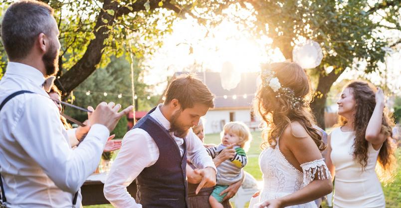 """Zespoły weselne. Jak sprawdzić, czy grają """"na żywo""""? Kliknięcie w obrazek spowoduje wyświetlenie jego powiększenia"""
