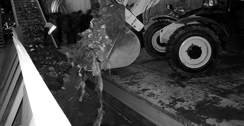 Zwłoki noworodka w sortowni śmieci. Wcześniak miał obrażenia głowy Kliknięcie w obrazek spowoduje wyświetlenie jego powiększenia