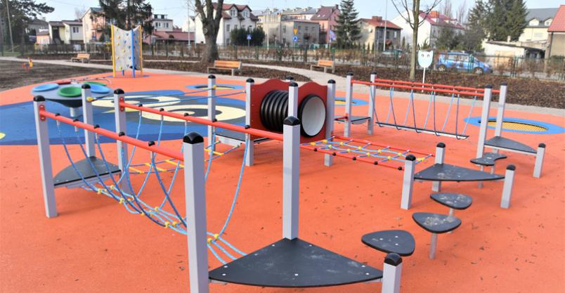Burmistrz apeluje o nie korzystanie z placów zabaw i siłowni zewnętrznych Kliknięcie w obrazek spowoduje wyświetlenie jego powiększenia