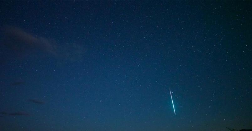 Noc z meteorami  przed MCK Kliknięcie w obrazek spowoduje wyświetlenie jego powiększenia